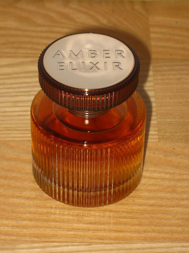 Nước hoa Nữ amber mùi cực thơm